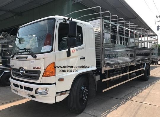 Xe tải Hino FG 8 tấn thùng bạt 8.6m bửng nâng