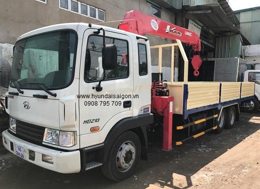 Xe tải hyundai HD210 gắn cẩu Unic 5 tấn 5 khúc